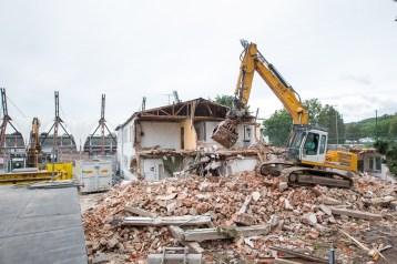 Vom Steinhaus bleiben nur noch Trümmer
