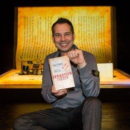 10 Jahre Sebastian Fitzek: Große Show in Erfurt