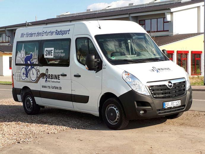 Arbeitsplatz auf vier Räder. Der Transporter ist die mobile Werkstatt des RSC.