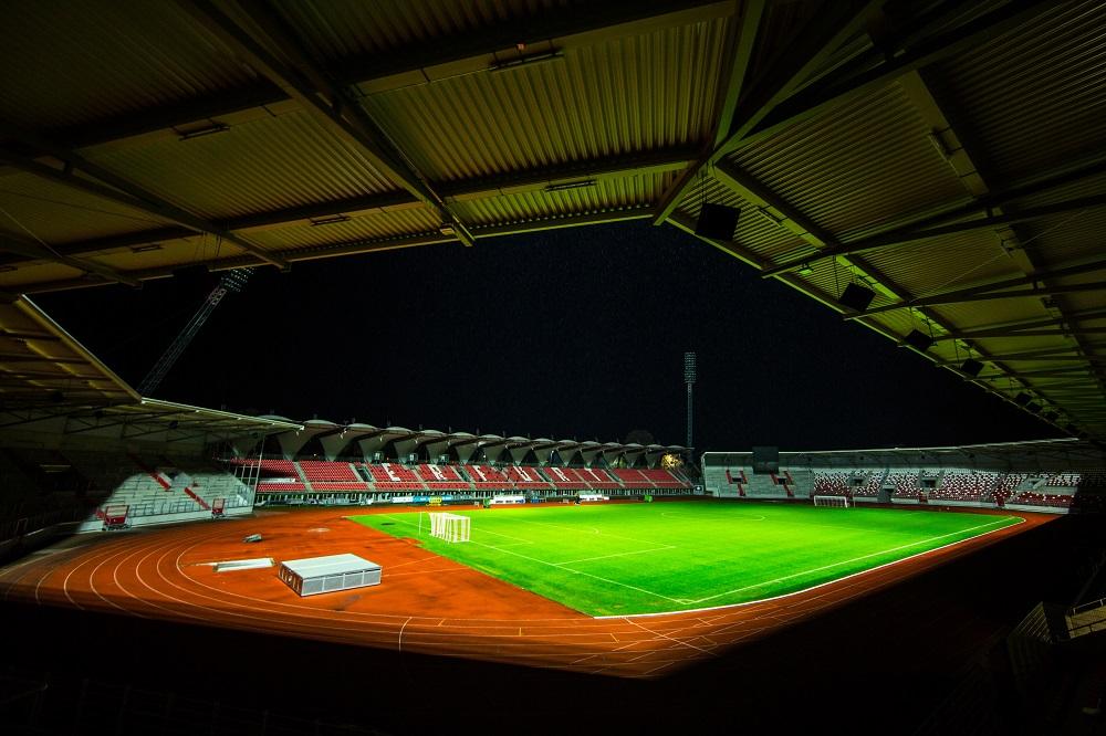 Stadionbeleuchtung Flutlichtmast