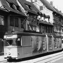 Ein Güterzug in der Leninstraße