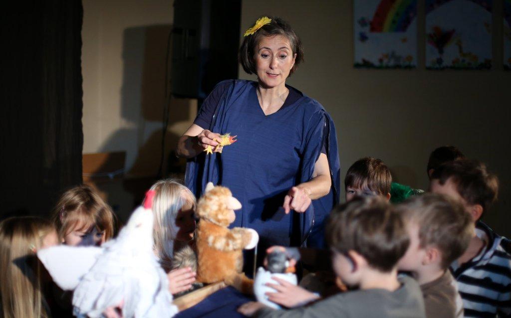 Puppenspielerin Christiane Weidringer