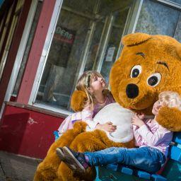 Ein Traum wird wahr: Bärenstarkes Spielmobil