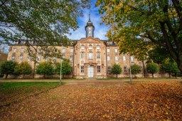Roßleben: Moderne Schule in alten Gemäuern