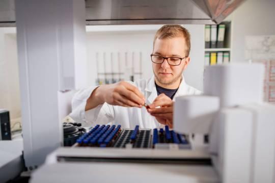 Dr. Alexander Perko