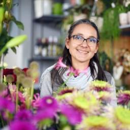 Ina Schumanns märchenhafte Blumenwelt – im Felsenkeller in Erfurt