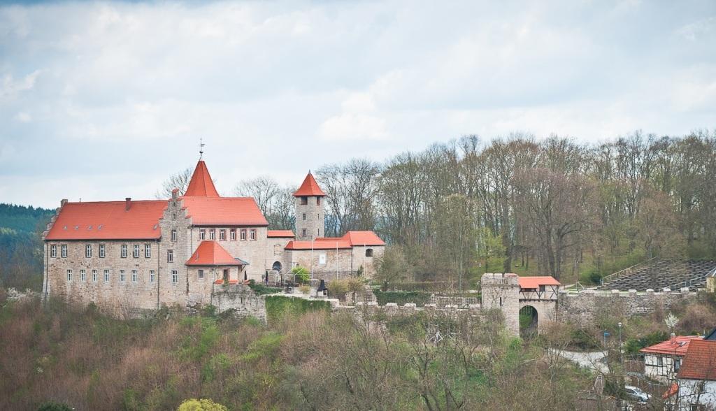 Niederburg mit Freilichtbühn